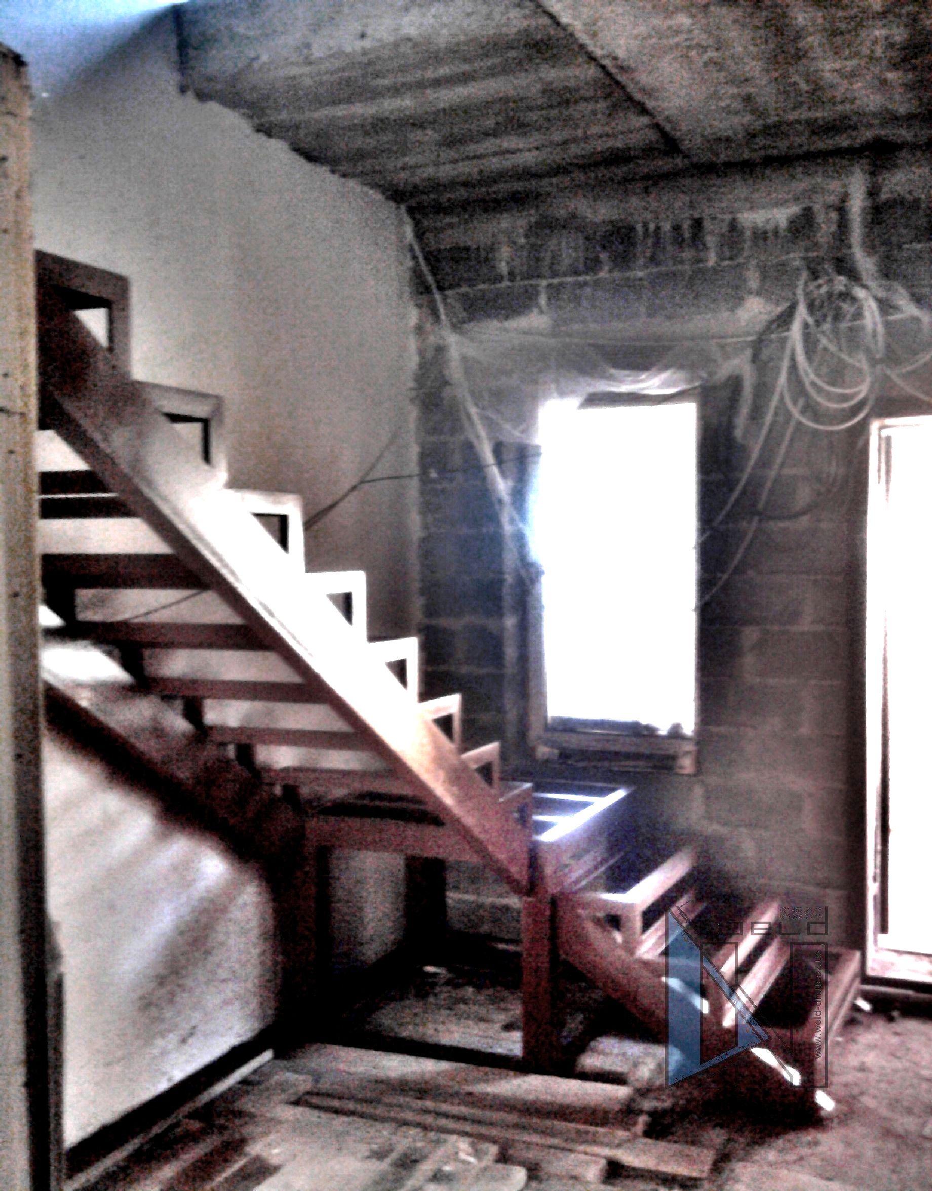 сварка лестницы деревянные ступени лестница на металлическом каркасе Донецк